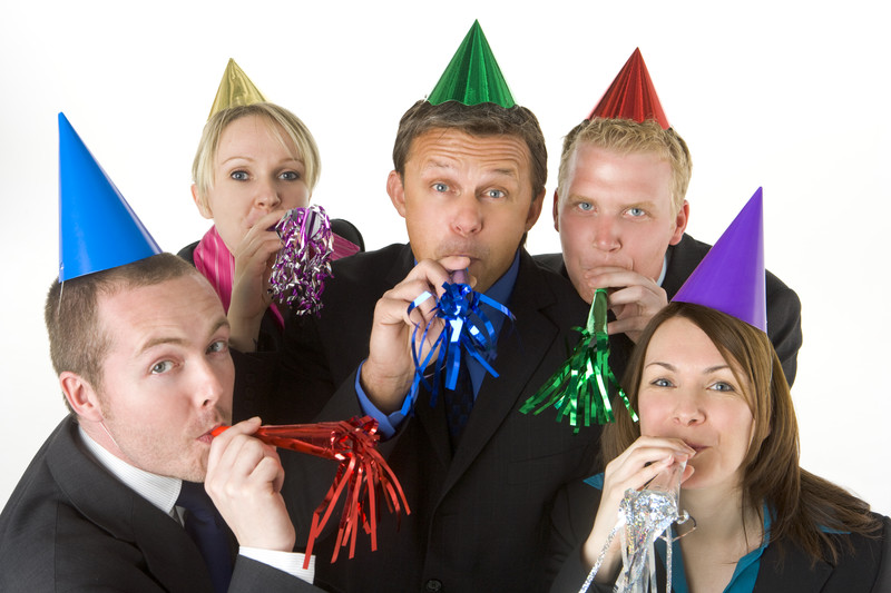 4 Tips on Hosting a Successful Employee Office Party